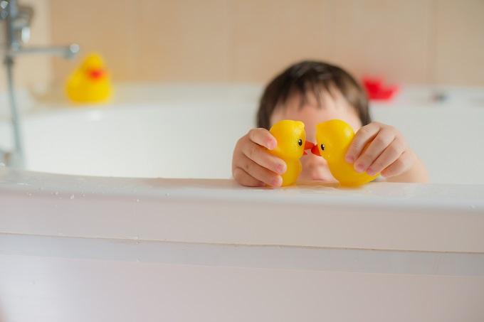 小6ママのゆる育児 先輩ママに聞く! ママのお悩み「お風呂に入りたがらない問題」