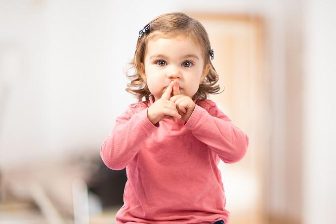 先輩ママ直伝。子どもに静かにしてほしいとき、効果バツグンの2つの方法【小6ママのゆる育児】