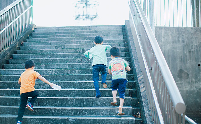 柴田愛子流、ホンネの育児。「子どもは食べて出して機嫌よくしていればOK」【最新号からちょっと見せ】