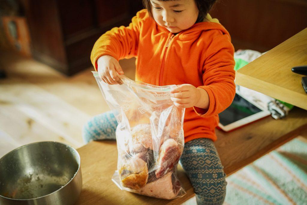 子育てと食べること、そして母としての思い【写真家・繁延あづささん&KIKIさんトークショー】