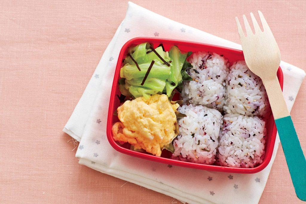 藤井恵さんに習うワンパターン弁当!卵がメインの「チーズオムレツ弁当」【最新号からちょっと見せ】